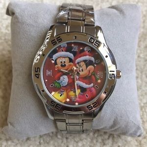 NWOT Mickey and Minnie Mouse Holiday Watch
